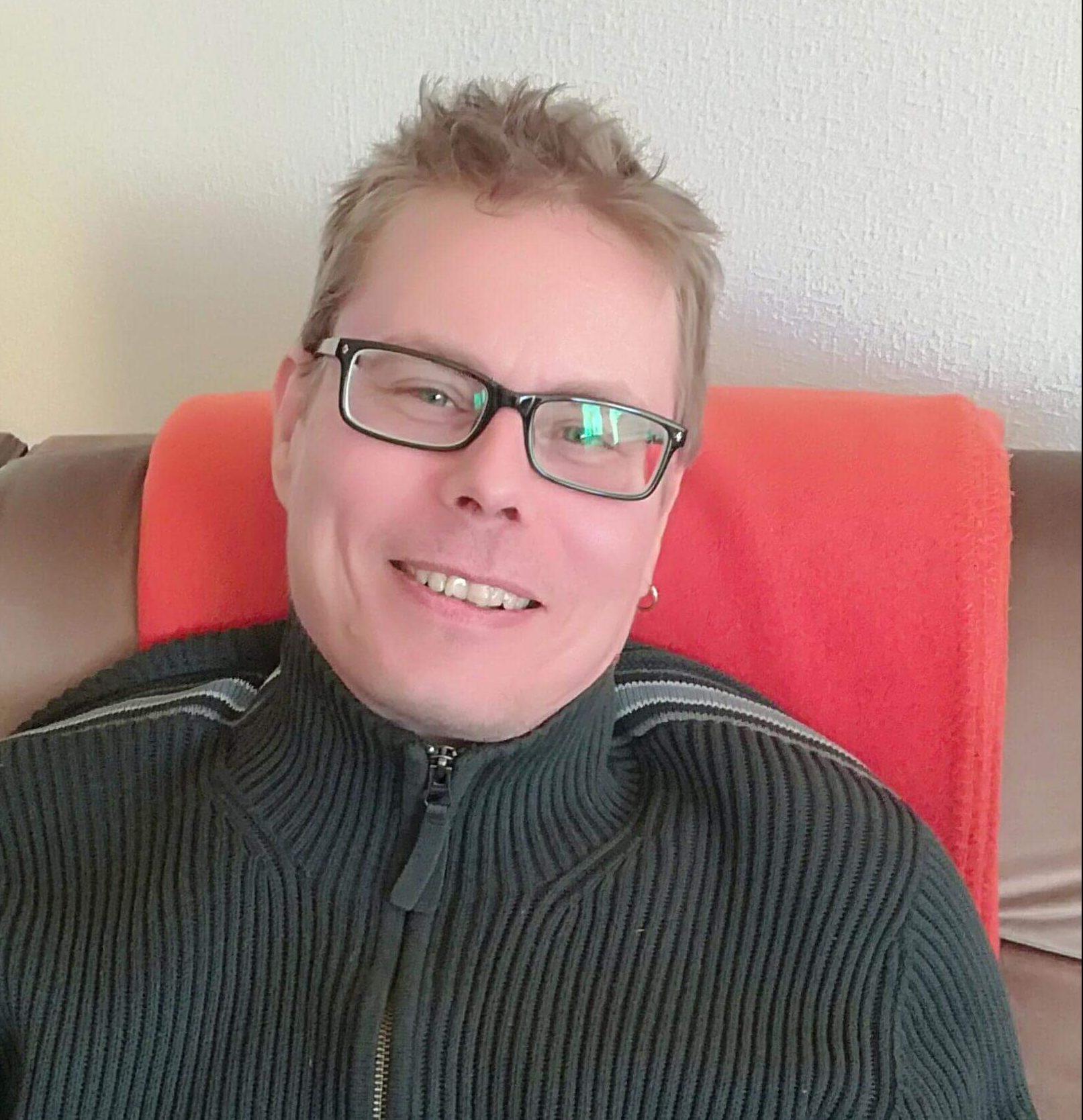 Pentti Frederiksen : Laboratory Technician